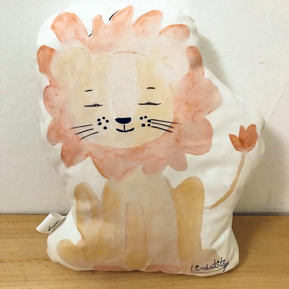 Cojín león Tito