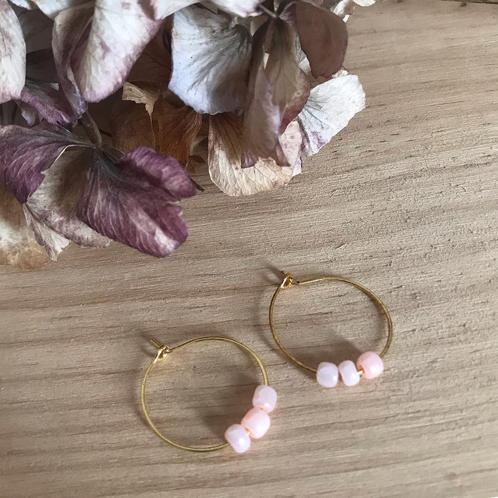 Pendientes aros con bolitas rosas